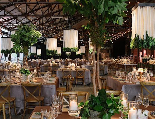 Romantic Toronto Wedding at Evergreen Brickworks