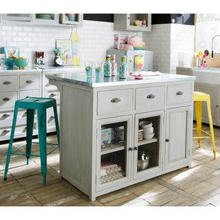 Inspired by an authentic bistro stool, take a look at the Jim turquoise bar stool. This high stool in antiqued metal exhibits a lovely rusted, antiqued effect. This retro-shaped industrial style bar seat will fit right into the kitchen beside the bar or centre island.