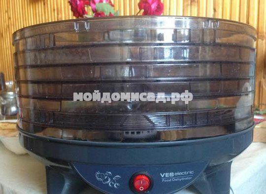 Овощная и фруктовая электрическая сушилка Ves Electric VMD-4 дегидратор для сушки продуктов