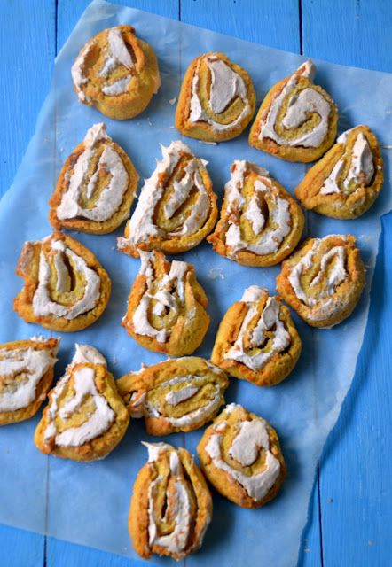 An Old Fashioned Lady: FINNISH MERINGUE COOKIES - BISCOTTI FINLANDESI CON...