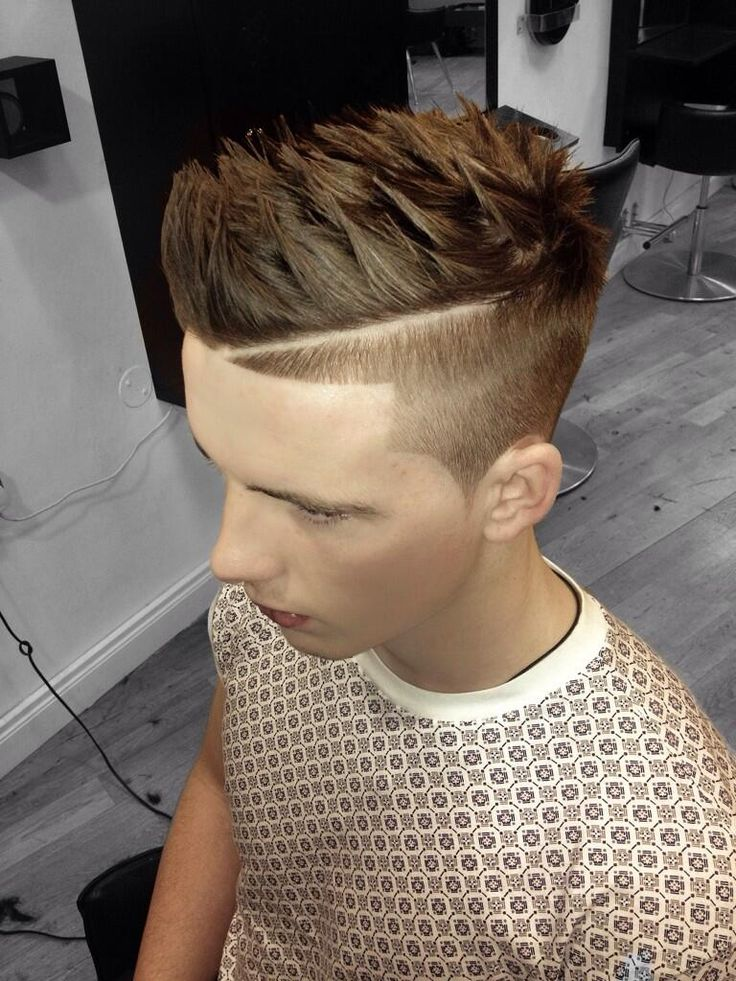 Mens hair gives the latest mens hairstyles and modern mens haircuts, plus hairstyling tips and advice from barbers and hairstylists. #mens #hair