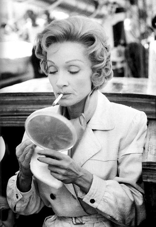 Marlene Dietrich, 1956 photographed by Mario de Biasi. S)