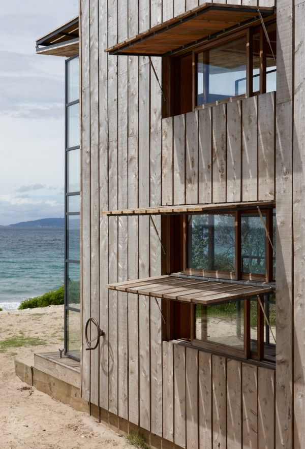 Perfect beach house using mostly recycled-reused materials