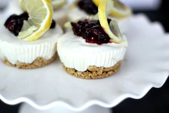 No-Bake Lemon Cheesecakes with Lemon-Blueberry Sauce | Bake Your Day