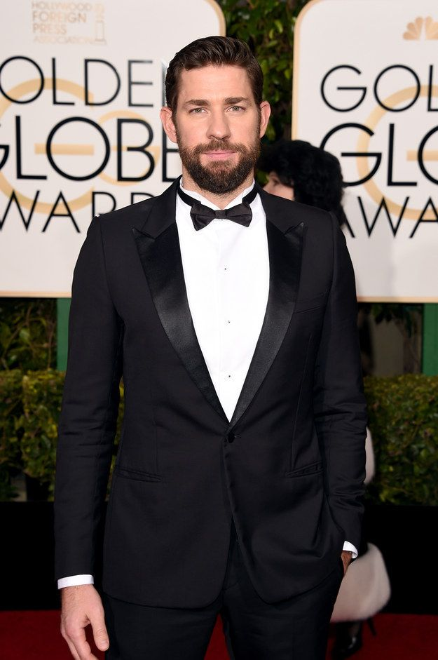 John Krasinski Sat At Leonardo DiCaprio's Table At The Golden Globes And It Was Really Awkward