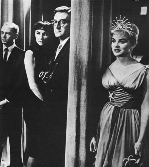 "kubricks lolita essay ""lolita the immortal: nabokov, kubrick, and lyne's nymphet"" is an analysis of   1921-2008 is a biographical essay using feminist rhetoric in a segmented essay ."
