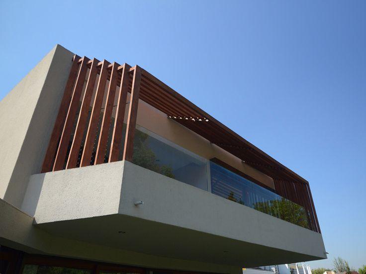 Casa Cordero Zamorano. La Reina Santiago, Chile. TNG Arquitectos