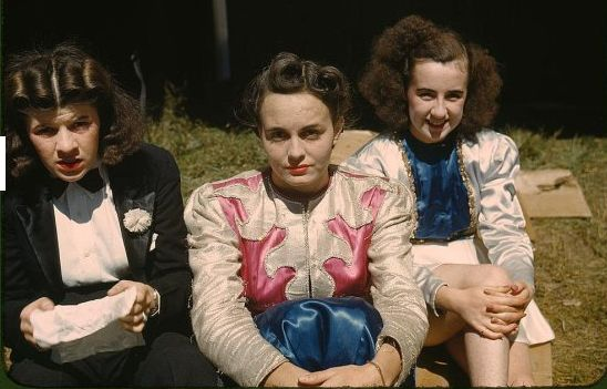 """""""Backstage"""" at the """"girlie"""" show at the Vermont state fair in Rutland, Vermont, in late 1941.  (Photo via the Library of Congress)"""