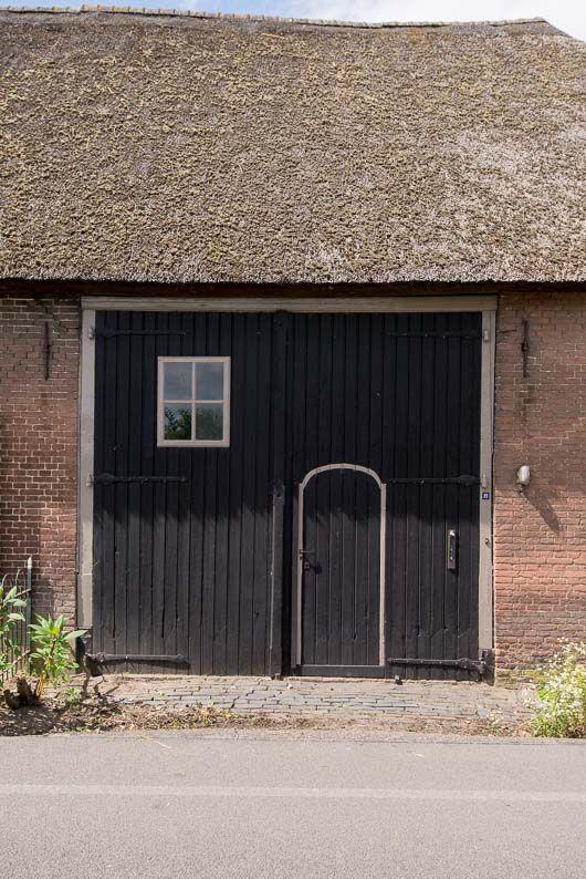 24 best images about brummen schuur garage on pinterest for Stucco garage