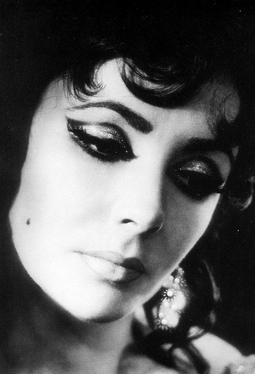 Elizabeth Taylor photographed by Angus McBean, 1966.