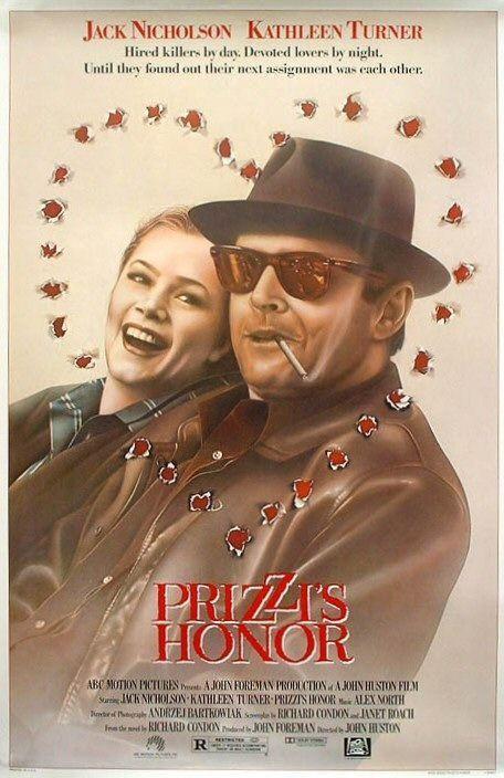 DVD CINE 92 - El honor de los Prizzi (1985) EEUU. Suspense. Mafia. Sinopse: Charley Partanna é un asasino a soldo ao servizo dos Prizzi, unha das familias máis poderosas da mafia. A filla do Don está namorada del, aínda que entre eles vai interporse unha bela e enigmática loura: Irene Walker.