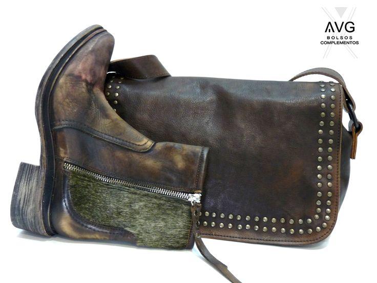 Bandolera Granada de AVG Bolsos y Complementos y botín de Veracruz Vintage BOOTS