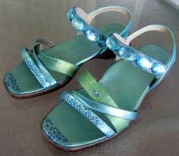 Ta-da! Don't the finished sandals look cool?  Photographed by Margaret Schindel, all rights reserved.