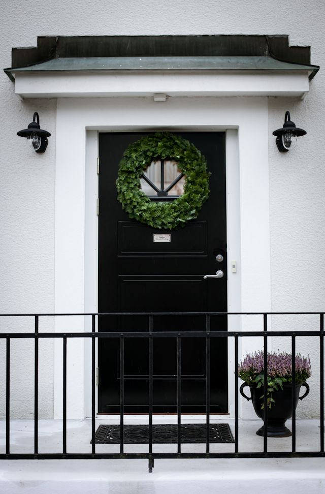 THIS ENTRANCE IS ABSOLUTELY STUNNING!! - THERE REALLY IS NOTHING, LIKE BLACK & WHITE!! #⃣