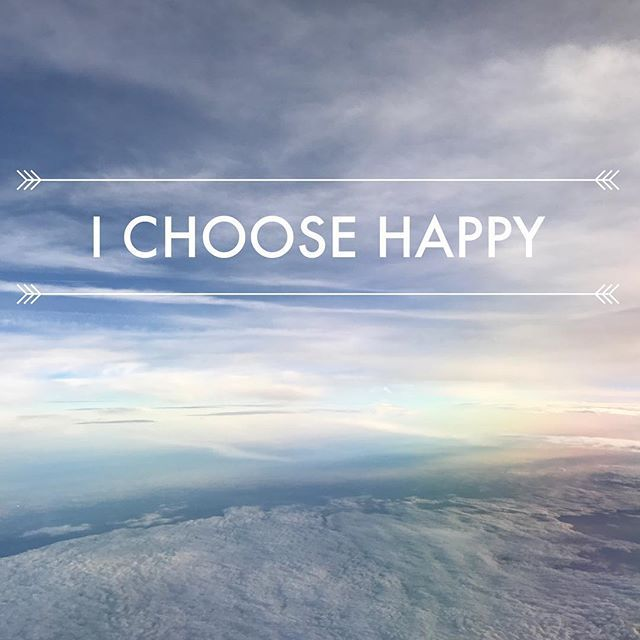 This one always getsus in the corner of the eye the sparkle of the soul and the foam on. Flat White. . . . #ZealandHeart #littlestoriesofmylife #inspiremyinstagram #photosinbetween #travelerinlondon #iamatraveler #girlsvsglobe #travelgirls #womenwhotravel #sheisnotlost #girlsthatwander #persuepretty #walltraveled #myperspective #howihue #fitram #happy #happyselves #whenpeoplematchplaces #realoutfitgram #luxury #treatyoself #luxurylife #inspirations