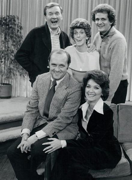 The Bob Newhart Show. Standing from left: Bill Daily (Howard Borden), Marcia Wallace, (Carol Kester), Peter Bonerz (Jerry Robinson). Seated: from left: Bob Newhart (Bob Hartley), Suzanne Pleshette (Emily Hartley).