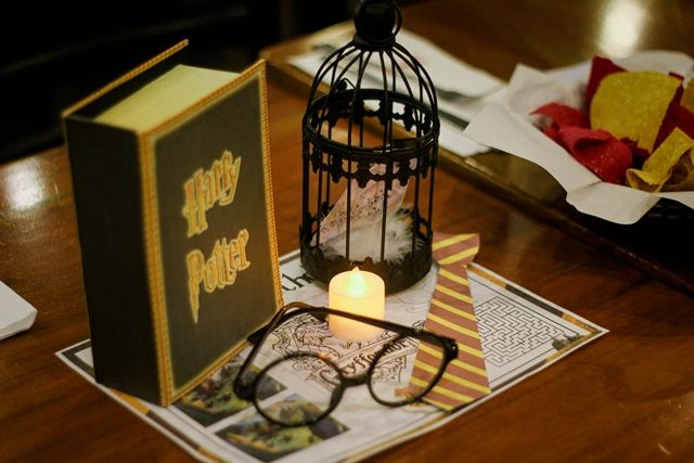 Eya and Yana's Harry Potter Themed Party - Table centerpiece / setting