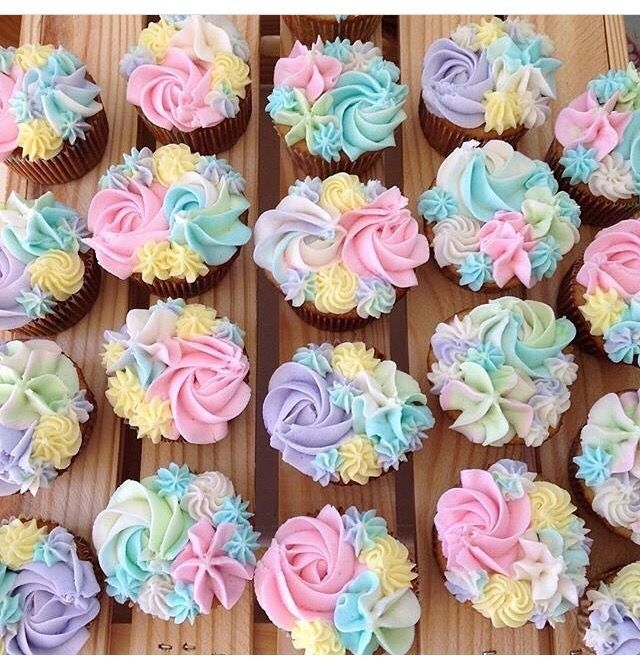 Beautiful Cupcake Decorating Idea