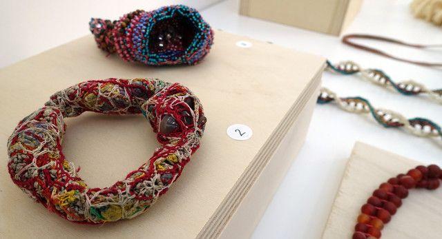 Bijoux organiques de Sébastien Carré présentés au salon Révélations