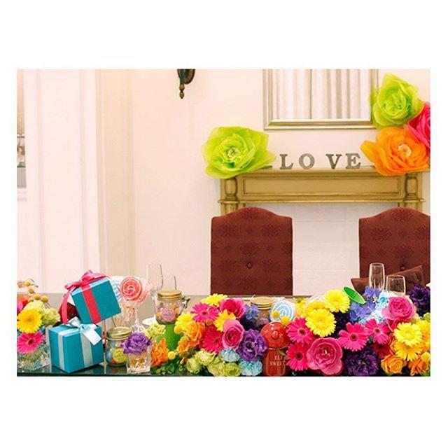 . . カラフルでポップな色合いが可愛い♪ ペロペロキャンディや瓶詰の飴がとっても素敵! 小物とお花を飾って、ワンランク上の おしゃれな会場装花にしてみませんか? ぜひお二人だけのオンリーワンウェディングを! . #flowerwalkpopo #富山県 #花嫁準備 #プレ花嫁 #結婚式準備 #結婚式 #ウェディング #テーマウェディング #オリジナルウェディング #キャナルサイドララシャンス #ララシャンス#花屋 #花 #メイン装花 #会場装花 #カラフル #ポップ #明るい #可愛い #ブライダル #wedding #weddingflowers #bride #bridal #bridalflowers #instflower #flowerstagram #flowerpic#colorful