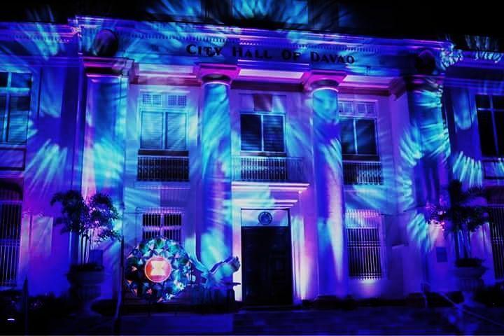 The light show and cultural show held at the City Hall of Davao!  Follow my blogpost at  Flongology.wordpress.com Twitter: @FlongTheChariot Facebook: @pobrengbisaya24  ________________________________ . . . . . . . . . . . . . . . . . . . . . . #WhereToFindMe #BeautifulDestinations #Wanderlust #travelph #lostinph  #travelpics #visualsoflife #lifeofadventure #sinopinas #pinasmuna #TravelGram #LoveToTravel #TravelDiary #ChoosePhilippines #SoloTravellers #festival #instagrammers #justgoshoot…