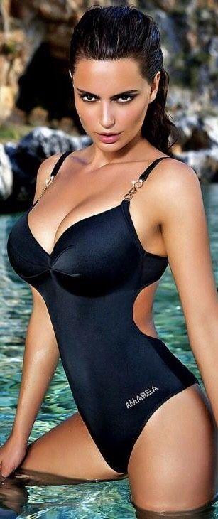 Onyx bikini models