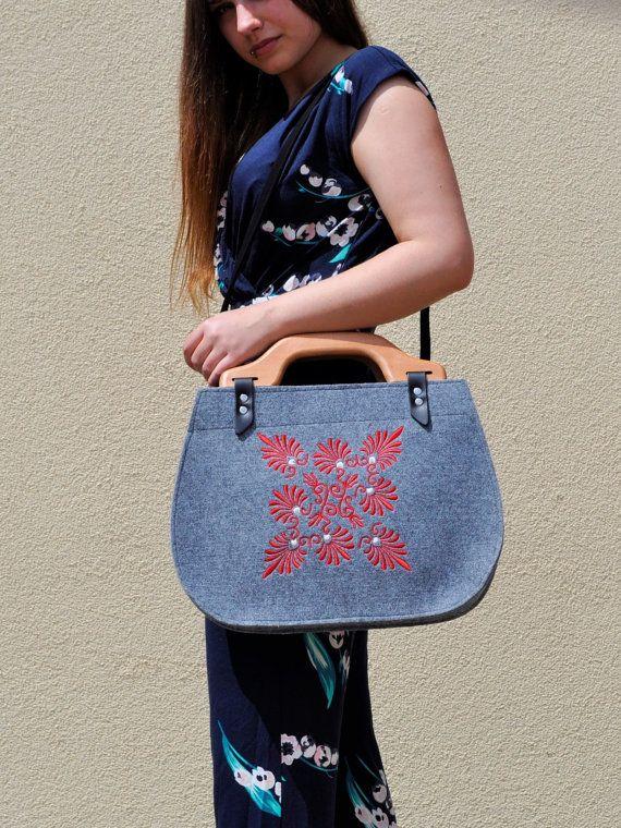 Wooden handles felt handbag folk floral design by CelticSecrets