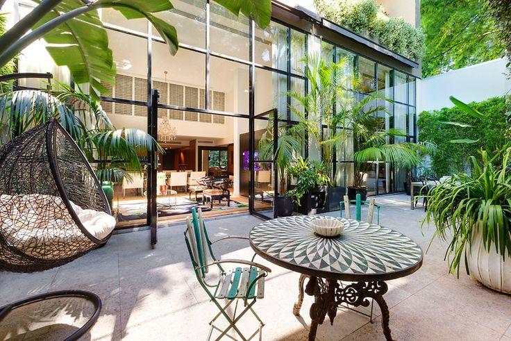Courtyard. 1&2/61 McLachlan Avenue, Rushcutters Bay, NSW