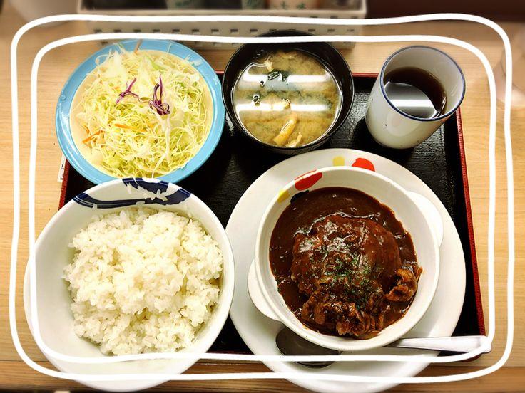 朝飯【ビーフシチューハンバーグ定食】  予想以上に美味いッ  松屋 西新宿店にて  #朝飯 #ビーフシチュー #ハンバーグ #松屋 #西新宿 #prisma