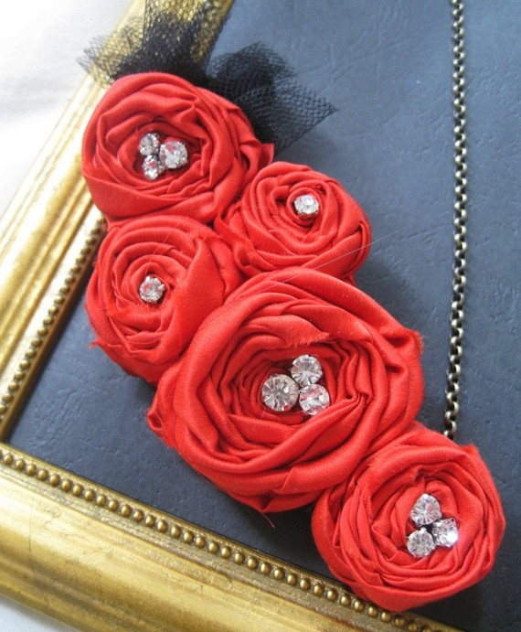 coral rosette necklace