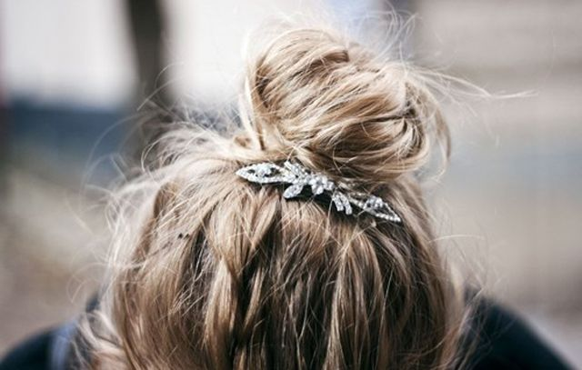topknot with a pretty brooch #hair: Hairstyles, Make Up, Fashion, Hair Styles, Makeup, Messy Buns, Top Knot, Beauty