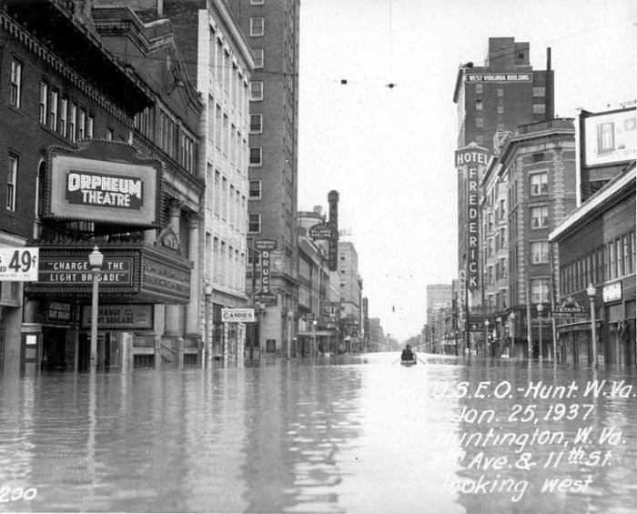 6. Although this photo may be a little late to be considered early 1900s, it is fascinating none the less.  This was taken during the great Ohio River Valley Flood In Huntington. This is a shot of 4th Avenue - more than 3 blocks away from the River's normal boundaries. The flood was the result of 19 days of consecutive rain fall combined with snow melt.