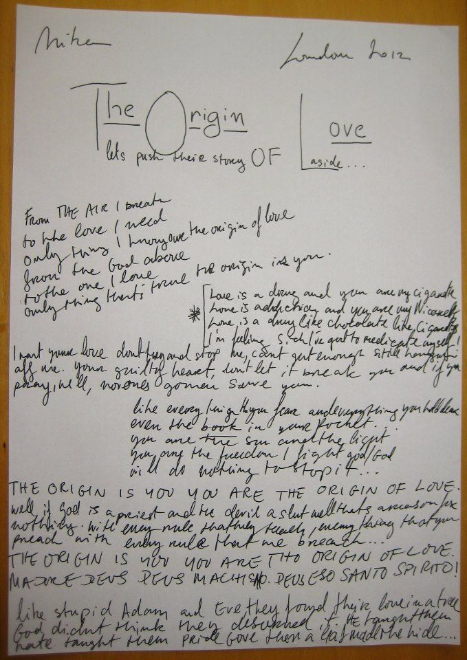 The original sheet that Mika wrote *Origin of Love* On! He made a contest on Twitter and a lucky girl won it! I WOULD DIE!!! I want...