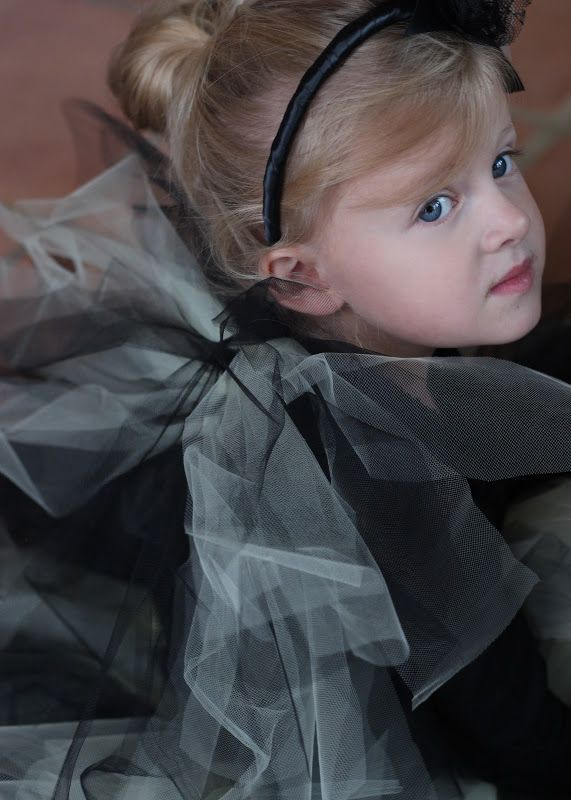 Easy DIY Tulle Halloween Costume Wings. Same method as the no sew tutus you see everywhere.