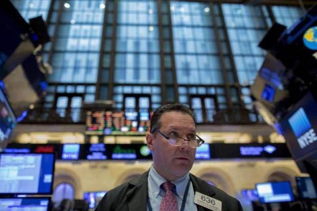 Equityworld Futures Pusat - Dow Jones Industrial Average .JJI naik 167,8 poin atau 0,72 persen, berakhir pada 23,441.76, rekor tertinggi. S & P 500 .SPX naik 4,15 poin atau 0,16 persen menjadi...