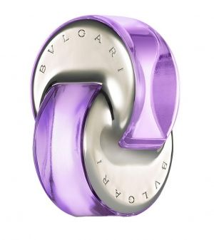 Omnia Amethyste Bvlgari for women---The new Omnia comes in shades of purple, with floral and woody notes. The top note is pink grapefruit. The middle notes are iris and Bulgarian rose. The base notes are heliotrope and woody notes. It was created in 2006. The nose behind this fragrance is Alberto Morillas.