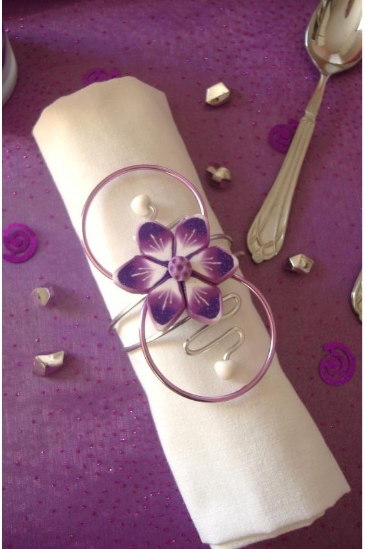 104 best images about wedding table purple and pink on pinterest receptions head tables and - Deco table rose ...