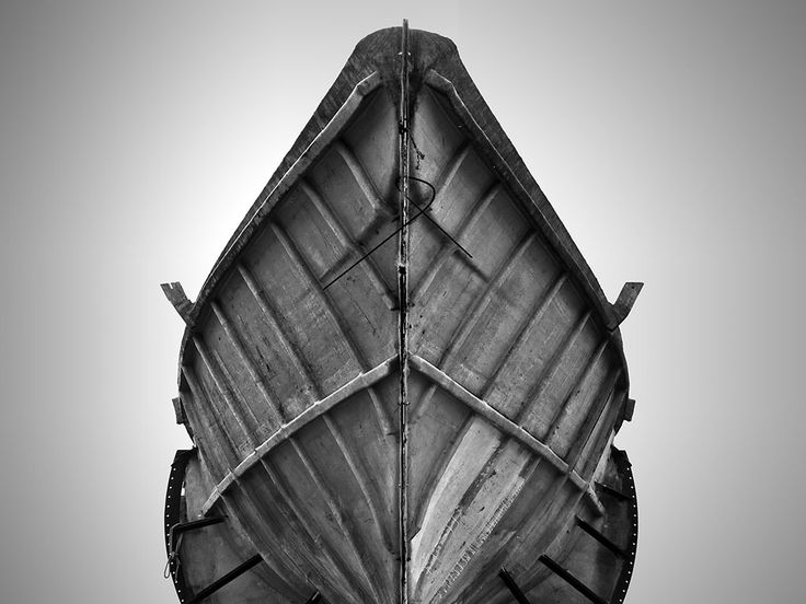 Boat mold symmetry | Lawrence Hislop Photography