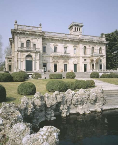 Wedding in Italy - Villa Erba, Como Lake
