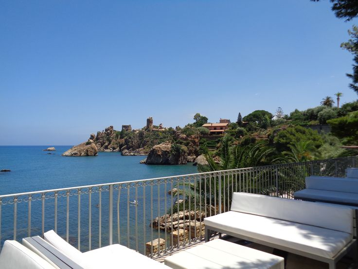 Le Calette - beautiful wedding venue in Cefalù - contact info@4yourday.eu