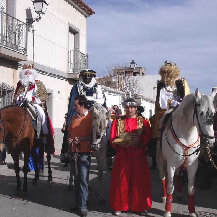 Three Kings Parade - Los Gallardos Fiesta