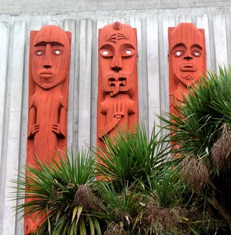 These carvings in the Square, Palmerston North, were crafted by John Bevan Ford and Warren Warbrick, and depict ancestors of the Rangitāne tribe as kaitiaki (guardians). Photograph by Shirley Williams. Photo by kind permission of Te Ara: The Encyclopedia of New Zealand. See also this page on Te Ara's website.