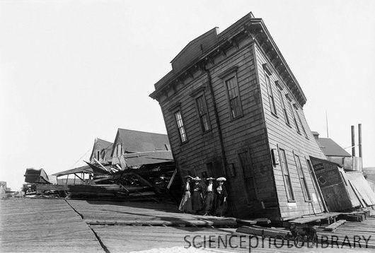 1906 San Francisco earthquake damage.
