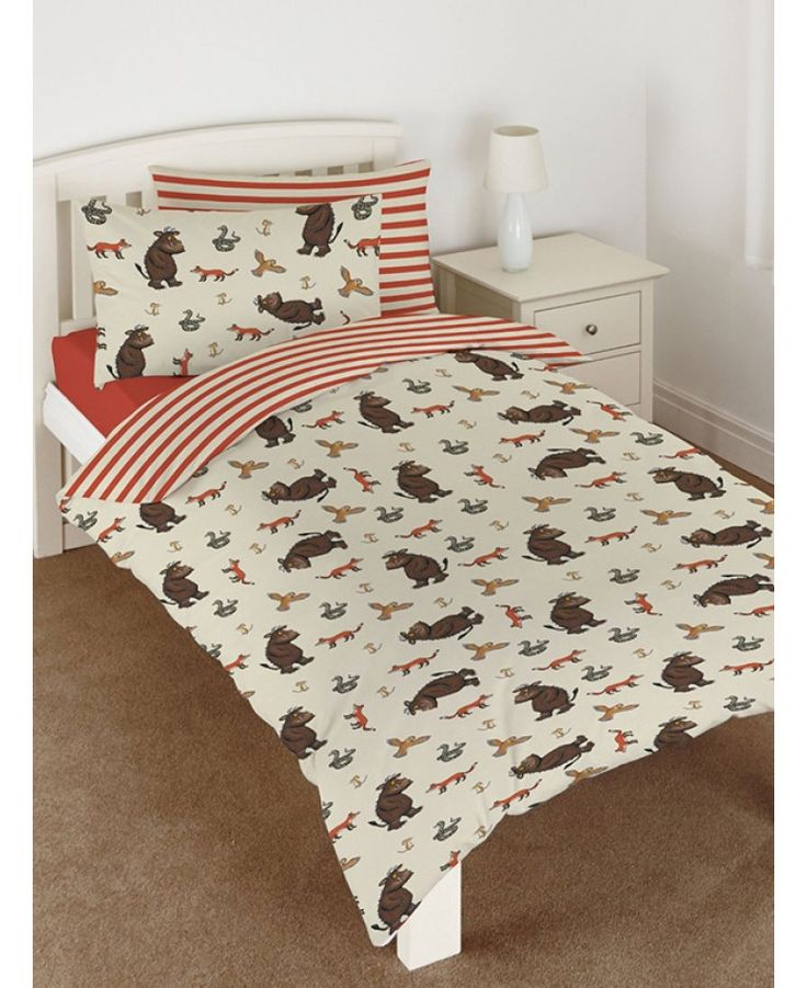 Official merchandise. This stunning The Gruffalo bedding set is a must for fans of the books. Other Gruffalo bedding options available on our website.