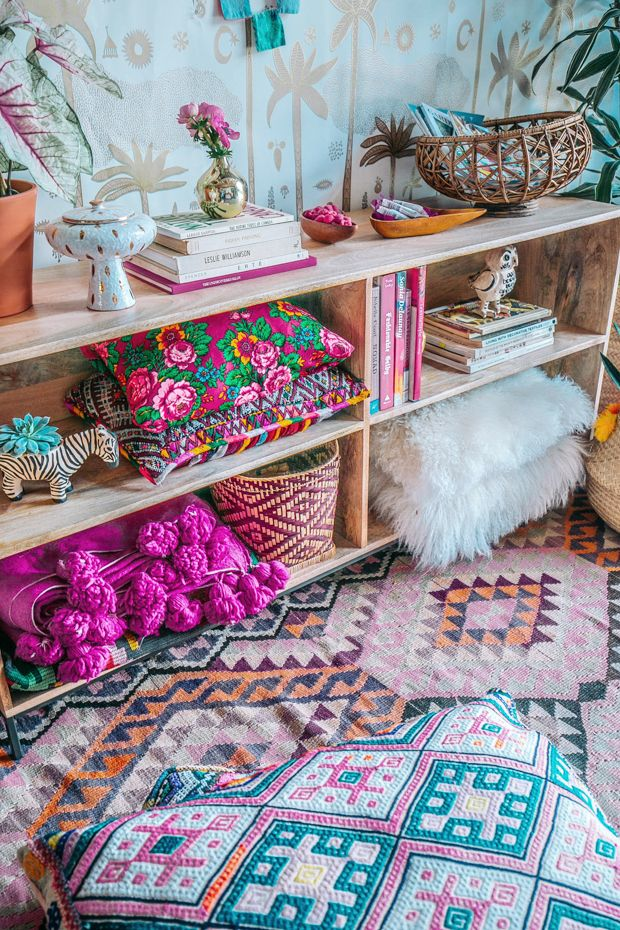 10 Tips To Decorating With Unexpected Color Combos with @CurateSnacks #Partner