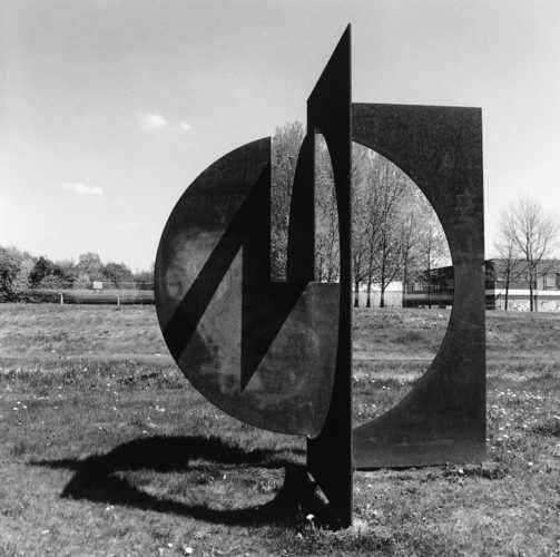 Cyril Lixenberg, Constructie I (1981), Noorderdreef, Almere Haven. © Witho Worms, Museum De Paviljoens