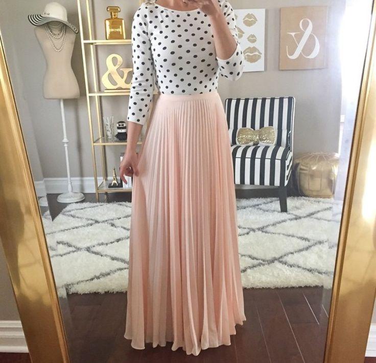 Maxi skirt+polka dot shirt