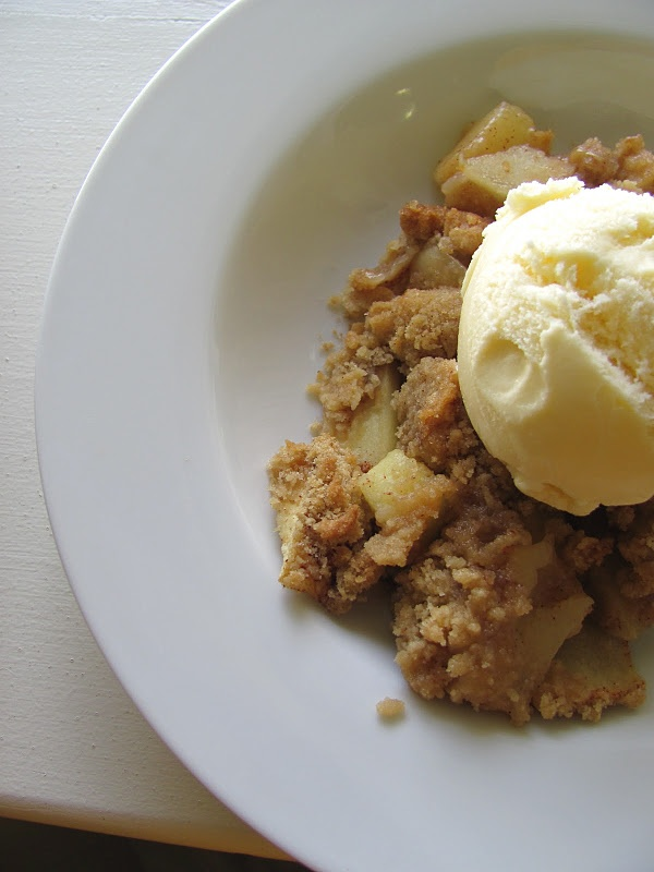 simple simple apple crisp! all you need is flour, brown sugar, apples, butter and cinnamon!