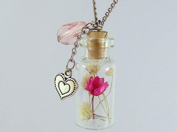 echte bloem ketting glazen fles ketting echte bloem juwelen-met luxe-geschenketui door katherinestudio op Etsy https://www.etsy.com/nl/listing/207242379/echte-bloem-ketting-glazen-fles-ketting