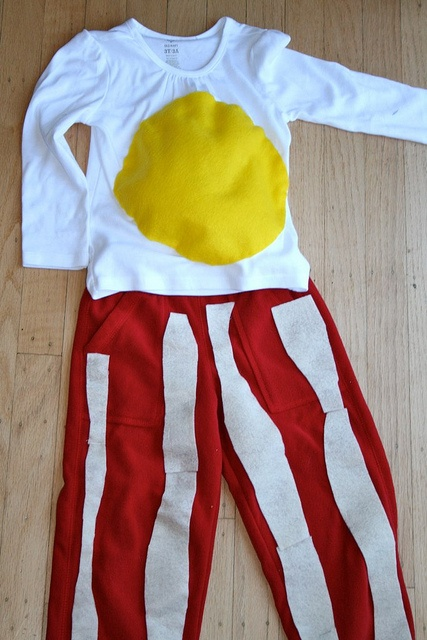 Egg and bacon pj's that I want to do for my bf. i'm not at all crafty, but he _loves_ bacon.